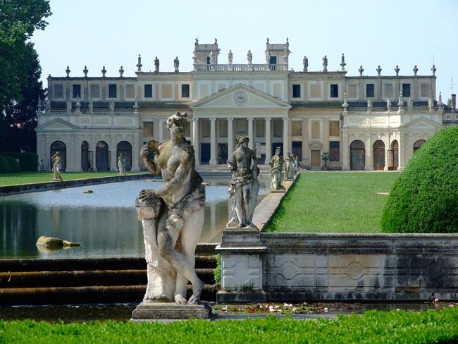 Interni Di Villa Pisani : Villa pisani
